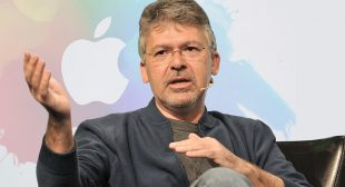 Apple Hires Google's former head of artificial intelligence
