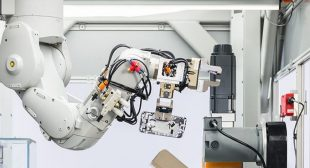 Apple launch robot for iphone recycling